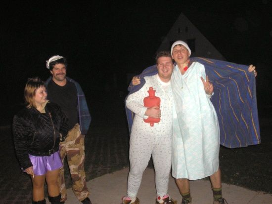 Pyžamový večírek